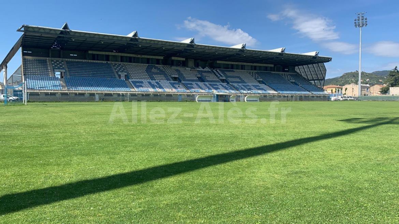 Yves Mangione, le goleador de l'OAC